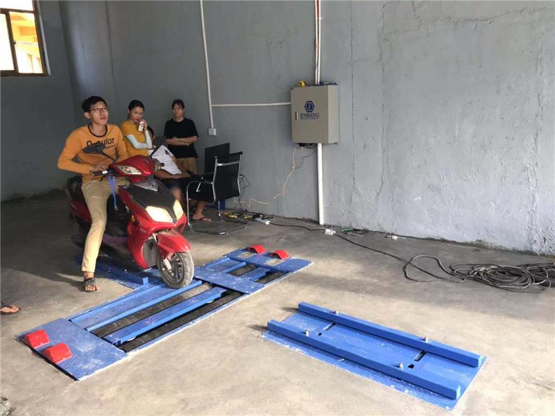 海南省三亚市某w88下载检测站摩托车安检线